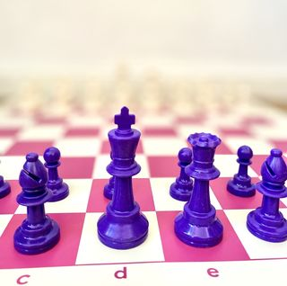 NEW - pink & purple Tournament Chess Set